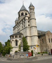 The Collegiate Church of St Gertrude and the Perron